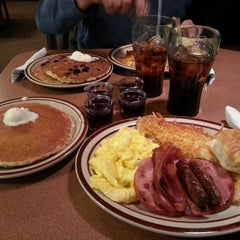 Photo taken at Denny's by VazDrae L. on 2/2/2013