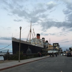 Photo taken at Queen Mary's Dark Harbor by Bill S. on 10/5/2015