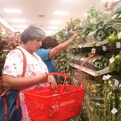 Photo taken at Farmacias Arrocha by Maria Eugenia C. on 12/21/2012
