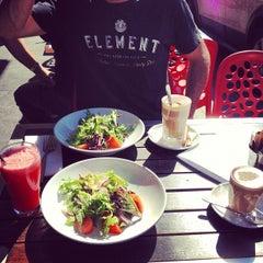 Photo taken at 181 Domain Cafe Bar by Dennis V. on 9/22/2012
