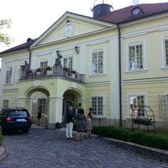 Das Foto wurde bei Szidónia Kastélyszálloda von Peter A. am 6/5/2015 aufgenommen