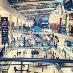 Photo taken at Oberoi Mall by Srikanth D. on 3/11/2013