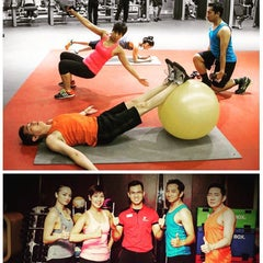 Photo taken at Fitness First Platinum by Yusuf H. on 1/12/2016