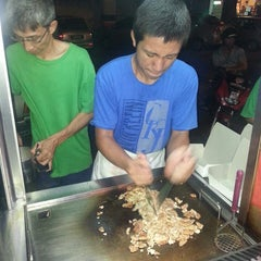 Photo taken at Pakcik Burger by Desmond G. on 6/26/2015