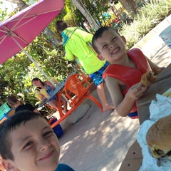 Photo taken at Aquatica San Diego by Laura F. on 6/19/2015