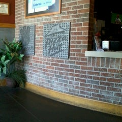 Photo taken at Pizza Hut by Kyra G. on 6/9/2013