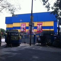 Photo taken at Ramayana Dept. Store by Gungde C. on 12/27/2012