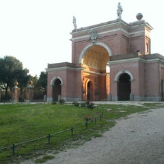 Photo taken at Villa Doria Pamphilj by mehmet ali s. on 9/18/2012