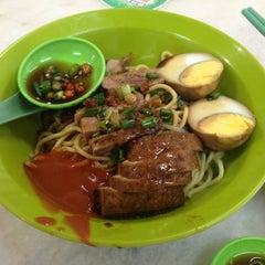 Photo taken at 隆香茶室,Melaka by Steve O. on 2/28/2014
