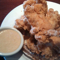 Photo taken at Cheddar's Casual Cafe by Chelsea E. on 10/8/2012