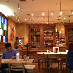 Photo taken at Le Pain Quotidien by Nihal نهال S. on 6/29/2013