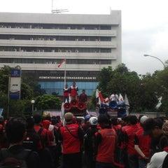 Photo taken at Kementerian Tenaga Kerja dan Transmigrasi RI by Bambang G. on 6/9/2015