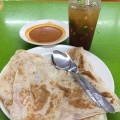 Photo taken at ABC MAIDEEN FOOD'S CORNER by Nurul Cheong on 5/7/2014