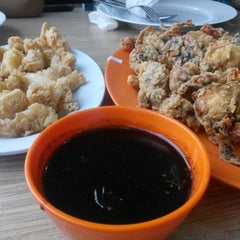 Photo taken at Dandito Seafood | Restaurant by Mulki S. on 10/24/2015