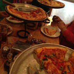 Photo taken at Pizzabrosa by Luis C. on 7/22/2013