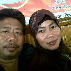 Photo taken at Rumah Makan Carita by Judi R. on 1/13/2013