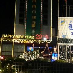 Photo taken at Chaophya Park Hotel (โรงแรมเจ้าพระยาปาร์ค) by puengvip p. on 12/18/2015