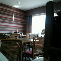 Photo taken at Taverne Rochus by Philip R. on 2/16/2013
