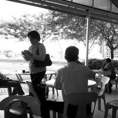 Photo taken at Gourmet Express by Pohui K. on 12/16/2013