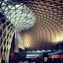 Photo taken at London King's Cross Railway Station (KGX) by Fabio I. on 1/21/2013