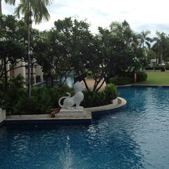 Photo taken at Sheraton Hua Hin Resort & Spa by Tikarn S. on 6/6/2013