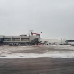 Photo taken at Syracuse Hancock International Airport (SYR) by Diane S. on 1/18/2013