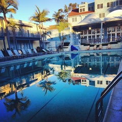 Photo taken at The Lafayette Hotel, Swim Club & Bungalows by Yvonne C. on 12/26/2013