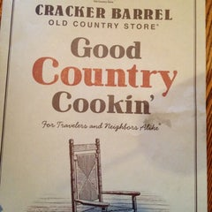 Photo taken at Cracker Barrel Old Country Store by Ryan P. on 11/26/2012