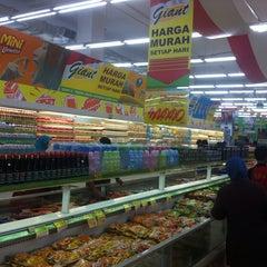 Photo taken at Giant Hypermarket by Indra|Shrliz™ on 9/1/2013