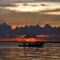 Photo taken at Anjungan Pantai Losari by iwe on 11/28/2012