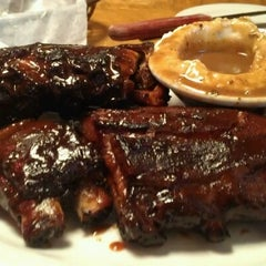 Photo taken at Texas Roadhouse by Don P. on 10/21/2012