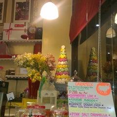 Photo taken at Park Avenue Desserts by Ivan R. on 5/10/2014