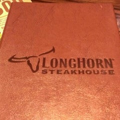Photo taken at LongHorn Steakhouse by Danny M. on 1/15/2013