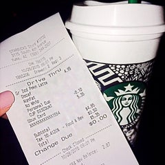 Photo taken at Starbucks by Prisciℓℓaaah! on 10/29/2015
