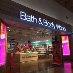 Photo taken at Bath & Body Works by Kate A. on 1/28/2016
