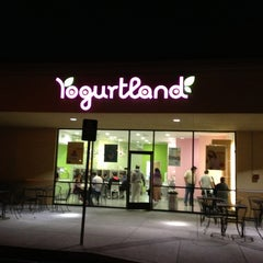 Photo taken at Yogurtland by Kevin D. on 2/26/2013