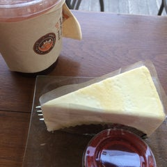 Photo taken at Wawee Coffee (กาแฟวาวี) by j.jy s. on 1/22/2015
