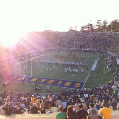 Photo taken at California Memorial Stadium by Xavier T. on 9/1/2013