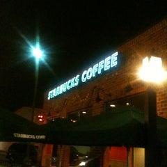 Photo taken at Starbucks by HL E. on 2/7/2013