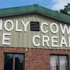 Photo taken at Holy Cow Ice Cream by Timothy O. on 8/3/2014