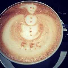 Photo taken at The Cafè At Craven Cottage by Robert O. on 12/17/2013