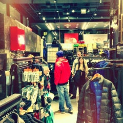 Photo taken at The North Face by Rubenz on 12/29/2012