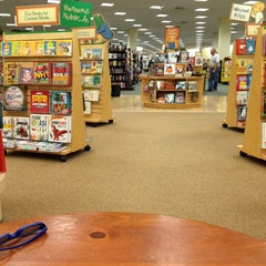 Photo taken at Barnes & Noble by Sarah S. on 9/28/2013