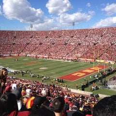 Photo taken at Los Angeles Memorial Coliseum by Melissa F. on 11/10/2012