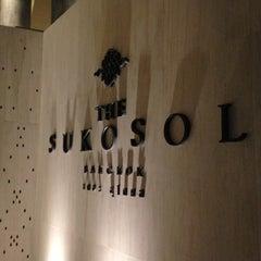 Photo taken at The Sukosol (โรงแรม เดอะ สุโกศล) by Chart S. on 4/25/2013