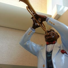 Photo taken at Louis Armstrong New Orleans International Airport (MSY) by Alan D. on 8/9/2013