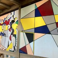 Photo taken at Tel Aviv Museum of Art (מוזיאון תל אביב לאמנות) by Alena G. on 8/15/2013