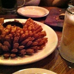 Photo taken at Outback Steakhouse by Sidney M. on 3/22/2013