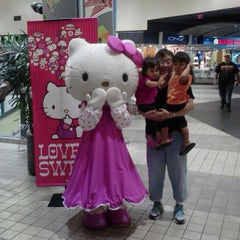 Photo taken at Pearlridge Center Downtown by Pearlridge C. on 2/12/2013