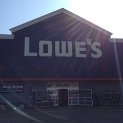 Photo taken at Lowe's Home Improvement by Frank C. on 4/5/2013